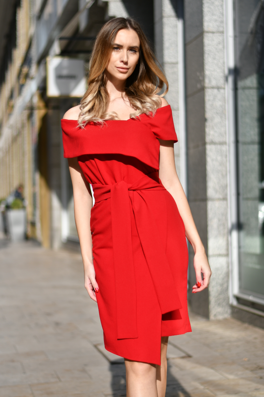 Lola Red (1)